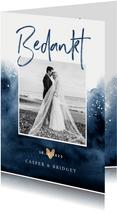 Bedankkaartje bruiloft verf inkt blauw met goudaccent hartje