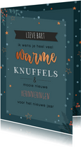 Donkerblauwe opbeurende kerstkaart met tekst: warme knuffels