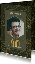 Einladung zum Geburtstag mit goldenen Blättern und Foto