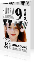 Einladung zum Kindergeburtstag Schwarzweiß mit Foto