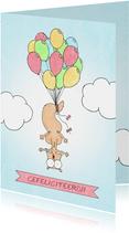 Felicitatiekaart met eekhoorn vastgeknoopt aan balonnen