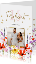 Felicitatiekaart met zomerbloeiers en foto huwelijksjubileum