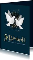 Felicitatiekaart voor huwelijk met witte duiven en spetters