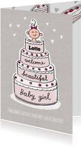 Geboorte felicitatie kaart met meisje in een roze taart