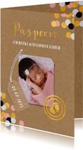 Geboortekaartje in paspoort vorm voor meisjes