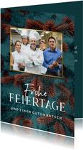 Geschäftliche Weihnachtskarte Gastronomie mit Tannenzweigen