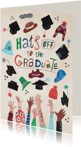 Geslaagdkaart felicitatie met hoeden en doctoraalmutsen