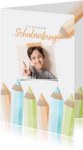 Glückwunschkarte orange Schulanfang Foto & Buntstifte