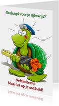 Grappige geslaagd kaart schildpad met sleutel