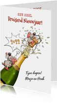 Grappige nieuwjaarskaart met muizen en champagne