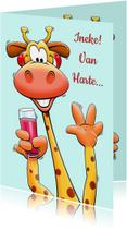 Grappige verjaardagskaart giraf met glas en bos rozen