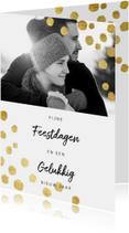 Hippe en moderne kerstkaart met goudlook confetti