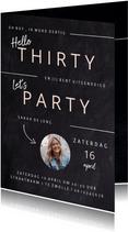 Hippe uitnodiging in krijtbord verjaardag vrouw