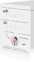 Hippe uitnodiging verjaardagsfeest vrouw minimalistisch