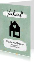 Hippe verhuiskaart met huisje, verf en gouden spetters