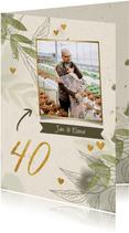 Jubiläumskarte mit Foto, Zweigen und Herzen