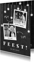 Jubileumkaart krijtbord met hangende lampjes en foto's