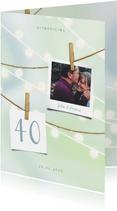 Jubileumkaart met lampjes, knijpers en foto's