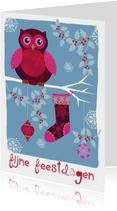 Kerstkaart feestdagen kaart met uil op een tak