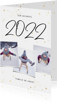 Kerstkaart fotocollage handgeschreven 2022 en gouden sterren