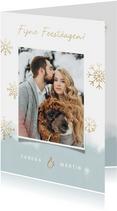 Kerstkaart grote foto, waterverf en gouden sneeuwvlokken