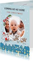 Kerstkaart met kerstman huisjes en foto