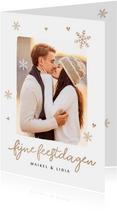 Kerstkaart romantisch met sneeuwvlokjes hartjes en foto