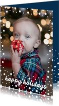 Kerstkaart staand happy holidays met confetti sneeuwvlokken
