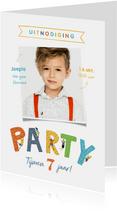 Kinderfeestje klimmen indoor vrolijk sportief party foto