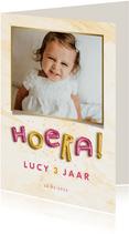 Kinderfeestje uitnodiging folieballonnen 'hoera' roze/goud
