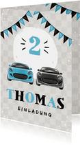 Kindergeburtstagseinladung mit zwei Autos und Girlande
