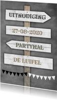 Uitnodigingen - Krijtbord en wegwijzer b