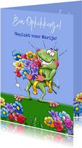 Leuk opkikkertje met geplukte bloemen voor de zieke