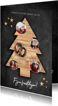 Leuke kerstkaart met houten kerstboom, foto's en krijtbord