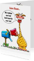 Leuke verjaardagskaart met giraf met kaartje en postbus
