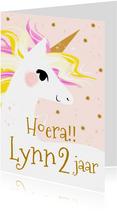 Lieve kaart met geïllustreerde unicorn en sterretjes