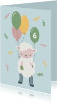 Lieve verjaardagskaart illustratie schaapje in regenlaarzen