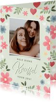 Lieve zomaar kaart knuffel met foto, bloemen en hartjes