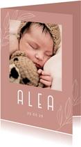 Minimalistisch geboortekaartje met foto en takje