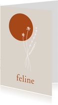 Minimalistisch geboortekaartje met lijntekening bloem