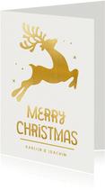 Moderne kerstkaart met goudlook rendier en merry christmas