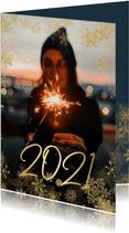 Neujahrskarte großes Foto, 2021 und Schneeflocken
