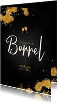 Nieuwjaarsborrel uitnodiging met proostende glazen goud