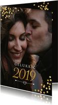 Nieuwjaarskaart met gouden confetti en evt. uitnodiging
