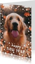 Nieuwjaarskaart met speelse typografie en wit confetti kader