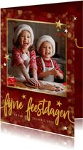 Rode warme kerstkaart met eigen foto en gouden sterren