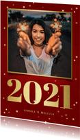 Rote Neujahrskarte 2021, Foto und Sterne