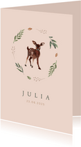 Roze geboortekaartje illustratie hertje met krans van takjes
