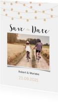 Save the date kaart met lampjes en een eigen foto