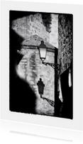 Zwart wit foto Schaduw Lantaarn op Kerk